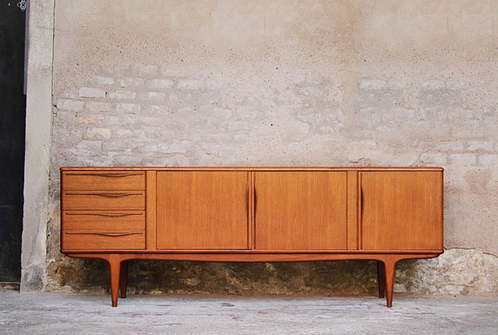 Meubles design scandinave vintage for Style scandinave annees 50