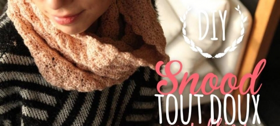 DIY : snood au crochet, laine rose poudré